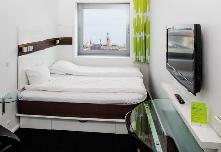 21 design hotel economici Stanze essenziali ma fornite di tutti i servizi al Wake up Copenhagen, per chi cerca un letto a un prezzo economico nella capitale danese. A partire da 54 euro wakeupcopenhagen.dk