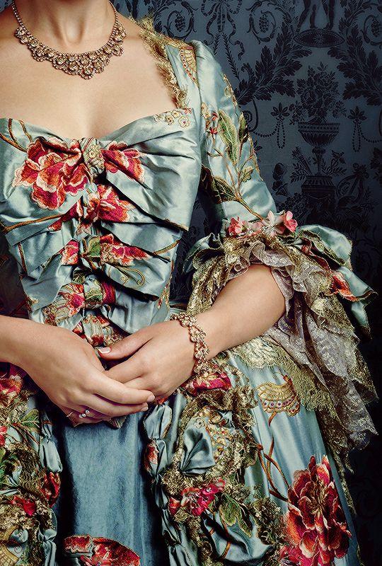 stormbornvalkyrie:    Outlander + Costume Details   ©