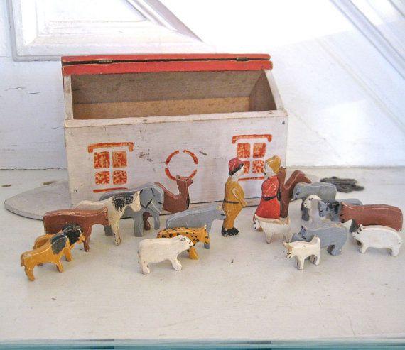 Vintage Noah's Ark - Folk Art