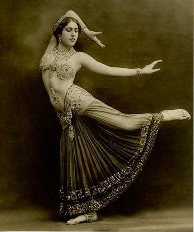 Danzas Árabes Vanesa Chico: Beneficios de la Danza del Vientre