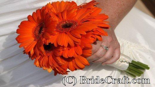 DIY WEDDING : DIY Daisy Bridal Bouquet