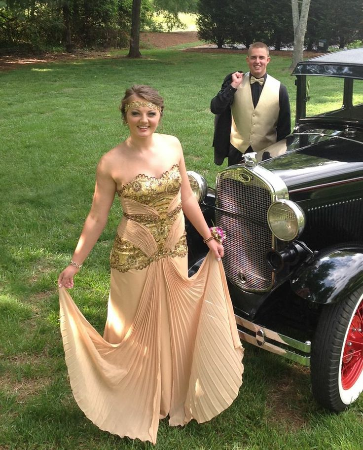 Classy Dame Katelynn looking ravishing in our Vintage Inspired Old Hollywood Glamour Gown in Gold. #oldhollywoodglamour #promdresses #eveninggowns #vintagestylegowns
