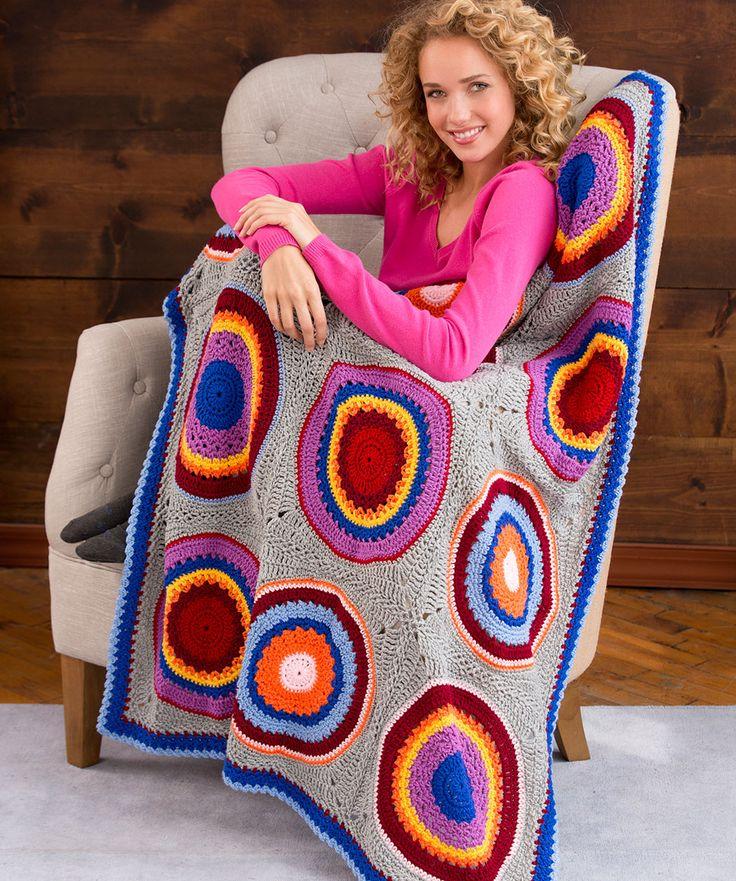 Bunte Kreise auf einem neutralen Hintergrund sind das Muster für diese beliebte Decke. Ändere die Farben, damit sie zu deinem…