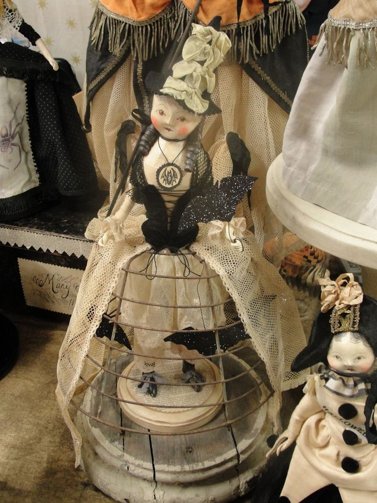 My favorite doll on Nicole Sayre table, Ghoultide 2014