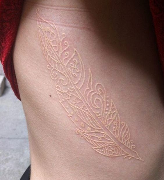 20 best top 20 tatouages encre blanche images on pinterest white tattoos tatoos and tattoo - Tatouage a l encre blanche ...