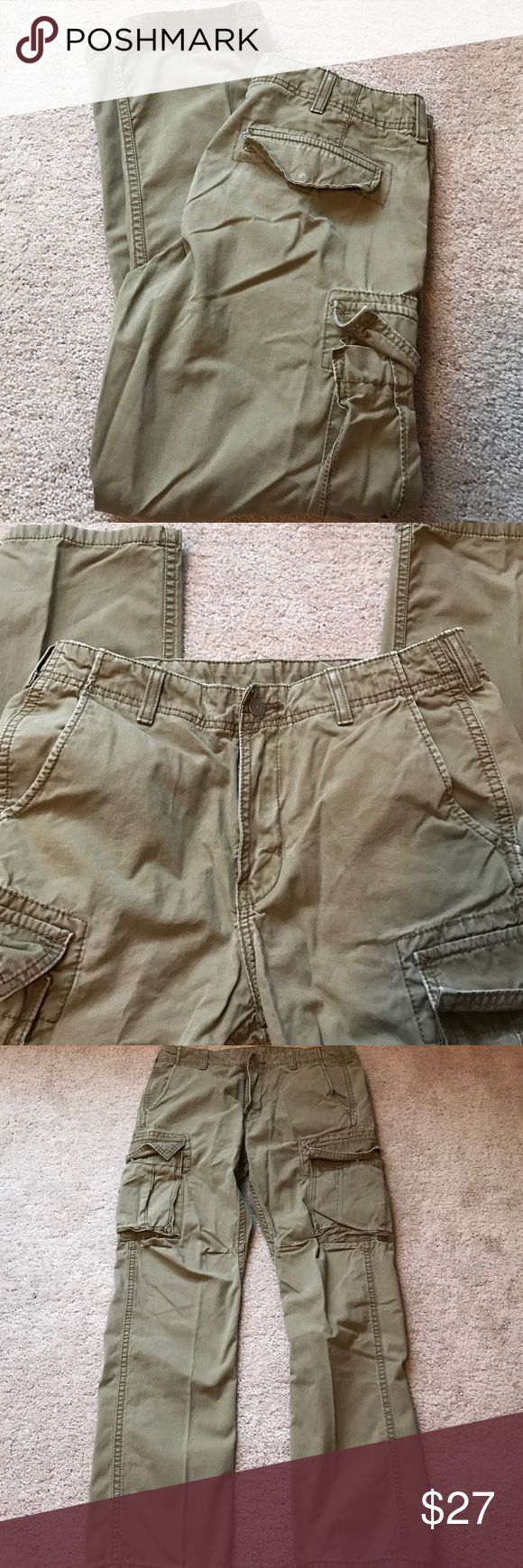 Mens Levi's- Loose Cargo Fit 30X30 Men's Levi's Loose Cargo fit..good condition..pockets snap closed..have been worn several times..make an offer :) Levi's Pants Cargo