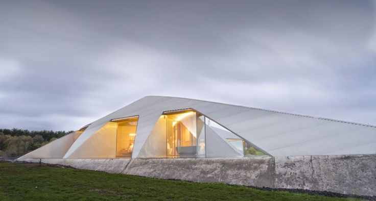 Crescent Shaped Croft House With Curved Roof And Windows | Crescents, Modern  Architecture And Architects