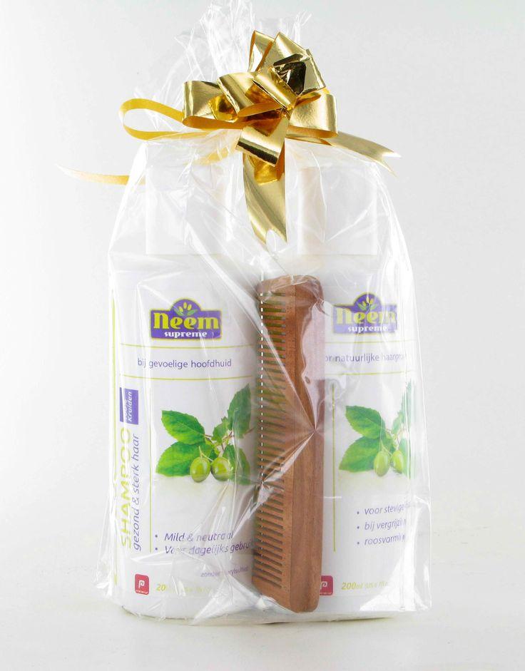 Neem Supreme Cadeau Set  Description: Neem Supreme Shampoo Neem VitaliserpocketkamEen mooi trio aan verzorgingsproducten voor gezond haar en hoofdhuidNeem&vitaliser shampoo  gratis kamNeem Shampoo is bereid volgens traditioneel ayurvedisch recept op basis van werkzame planten en kruiden. Zonder kunstmatige kleurstoffen geurstoffen of petrochemische bestanddelenVan 30 voor 20Je haar is belangrijk voor je uiterlijk! Het is je visitekaartje en daarom besteed je er veel aandacht aan. Je wilt…