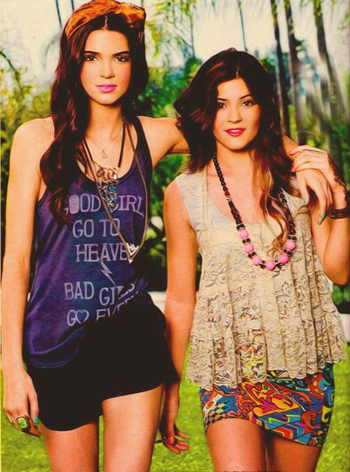 Kendall and Kylie...Does anybody know what Kendalls shirt says?