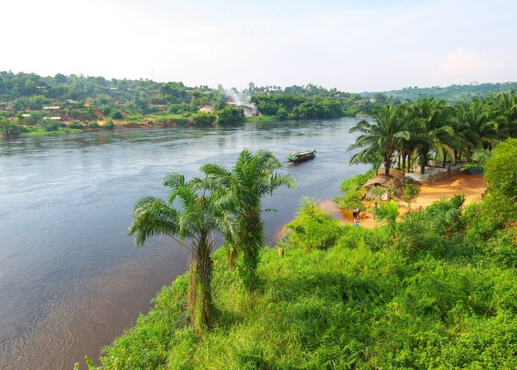 Kwilu river running through Kikwit, Bandundu, Democratic Republic of the Congo