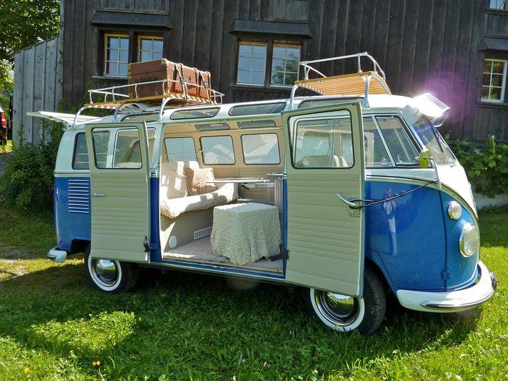 ретро-автобус Volkswagen Transporter T2