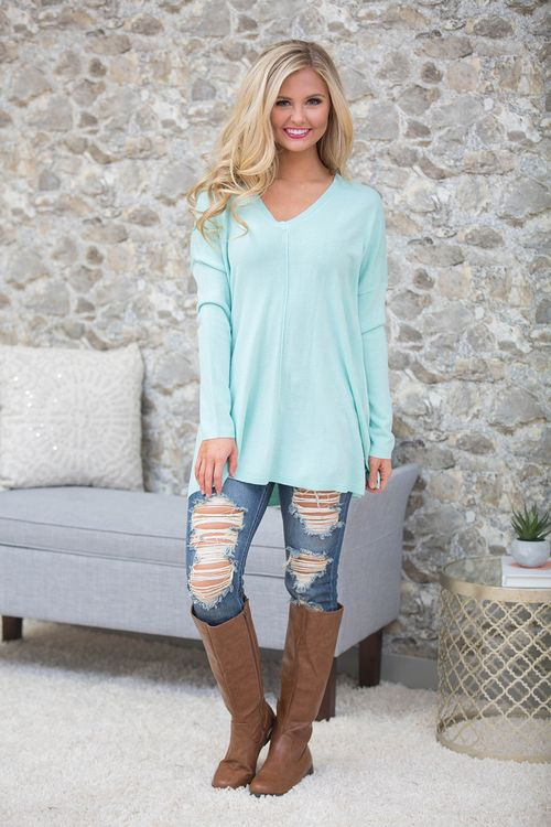 These beautiful pullovers are so wonderful for staying cozy and adding an extra cozy layer to your fall outfits!