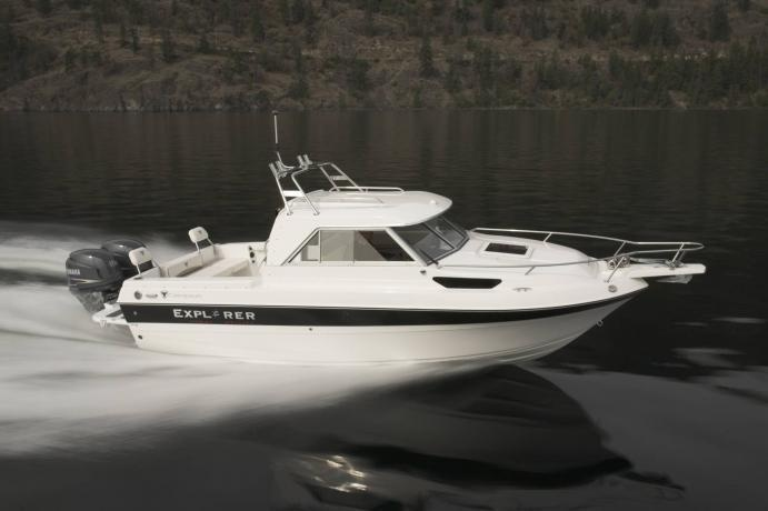 New 2012 Campion Boats 622SD BRA Explorer Pilot House Boat in Action
