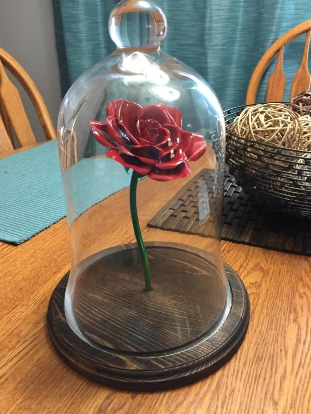 Completely handmade, there's no better gift to touch the heart of your loved one than this handcrafted enchanted rose. Just like the one from Beauty and the Beast.