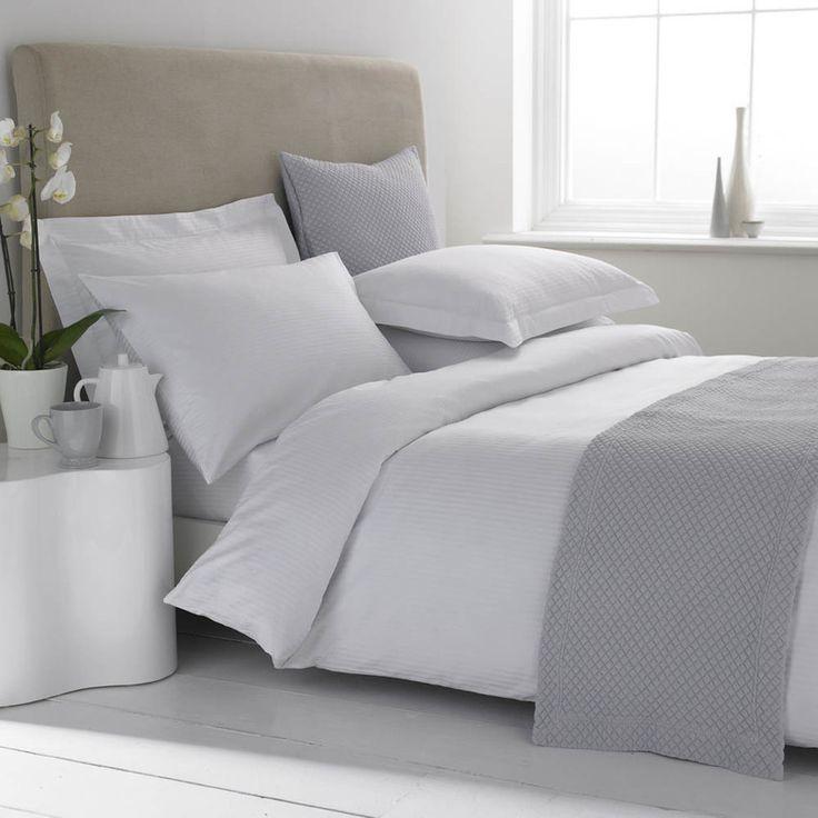 Linge de lit en satin micro-rayé et en coton Égyptien 120 fils