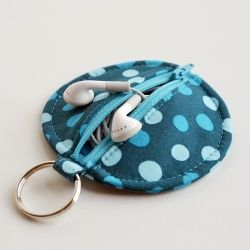 Circle zip in-ear headphone pouch keyring! Tutorial