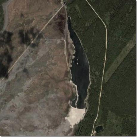 8 place with more pollution - 8 posto con maggior inquinamento Lake-karachay (RUSSIA) Satellite-image-russia Questo lago della Russia è completamente contaminato da scorie radiattive provenienti dal deposito Mayak, un sito di stoccaggio di scorie che è stato aperto nel 1950 ed è ancora attivo.