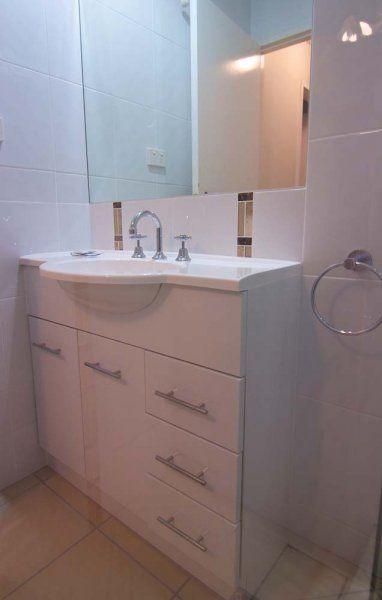 Merrima Court Holidays - Modern Bathrooms - Sunshine Coast Family Holiday Accommodation