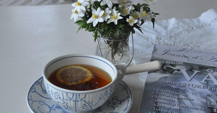 Disse ukedagene går skremmende fort.    Det er godt å kunne starte dagen med en kopp te og et av mine favorittblad mens resten av huset sove...