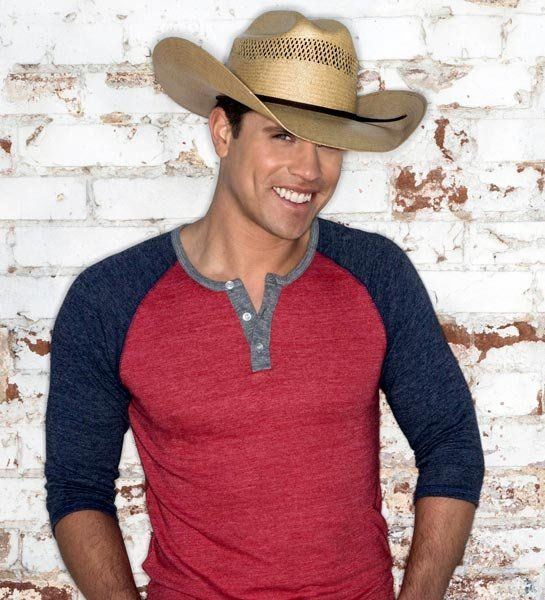 Dustin Lynch That smile make a girl melt! My panties are halfway to China