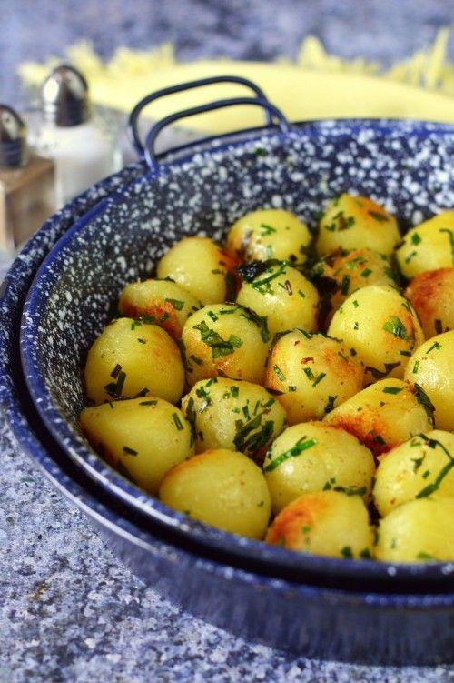 Zöldfűszeres, ropogós burgonyagolyó recept