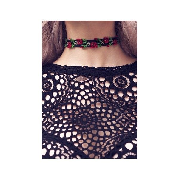 FRIDA. Embroidered Floral Choker Aluna Mae ($10) ❤ liked on Polyvore featuring jewelry, necklaces, floral jewelry, floral necklace, embroidery jewelry, choker necklace and embroidery necklace