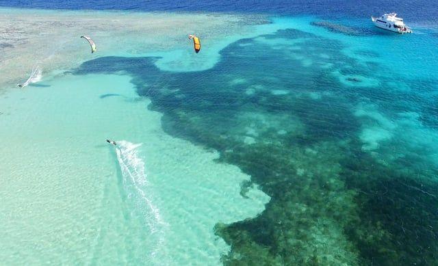 Smooth blue - excellent #droneclip of Soma Bay, Egypt @kitesurf_egypt #kitespots #kitetravel #kitesurfing - ActionTripGuru.com
