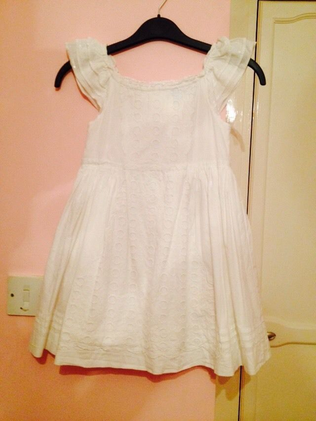 Marks And Spensers Girls White Dress Age 4-5 Years Occasion Dress in Clothes, Shoes & Accessories, Kids' Clothes, Shoes & Accs., Girls' Clothing (2-16 Years) | eBay