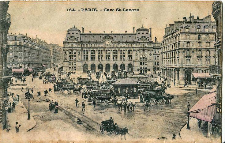 Gare Saint-Lazare (Paris) (1885-1889) La gare dans les toutes premières années du XXe siècle, avec de nombreux omnibus de la CGO en stationnement.