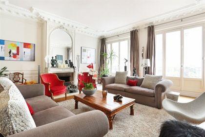 Paris 17th District A superb near 300 sqm apartment
