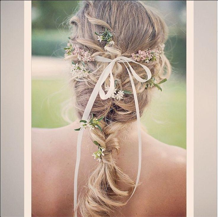 Cabelo de noiva, beleza de noiva, inspiração de noiva, casamento no campo, casamento na praia, casamento boho, casamento rústico #nouveauporgisellenasser #noiva #bride