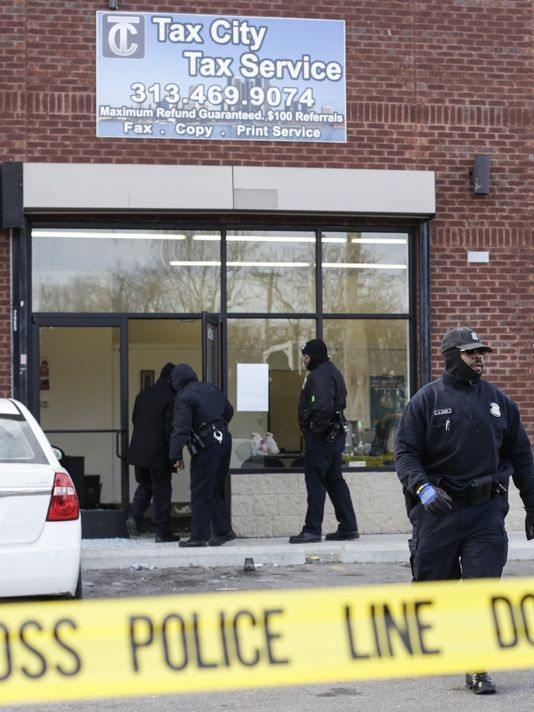 4 shot in Detroit after dispute over tax refund - USA TODAY #Detriot, #Shooting