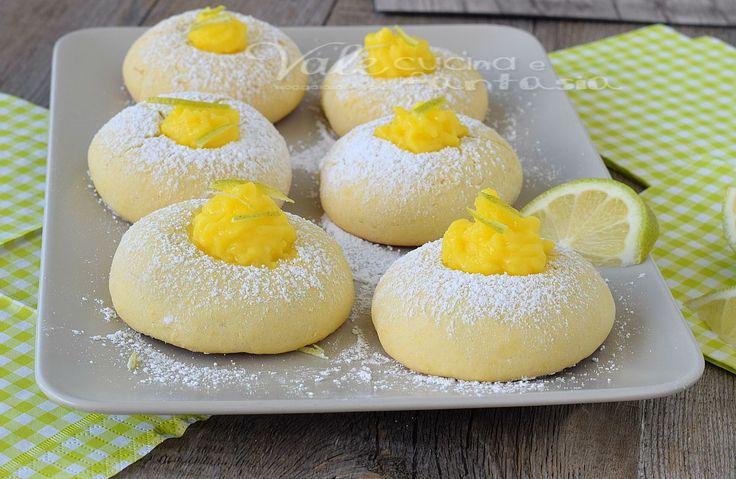 Biscotti al limone senza burro ricetta facile, ricetta dolce per dei biscotti buoni,leggeri con pochi grassi, ideali a colazione e merenda