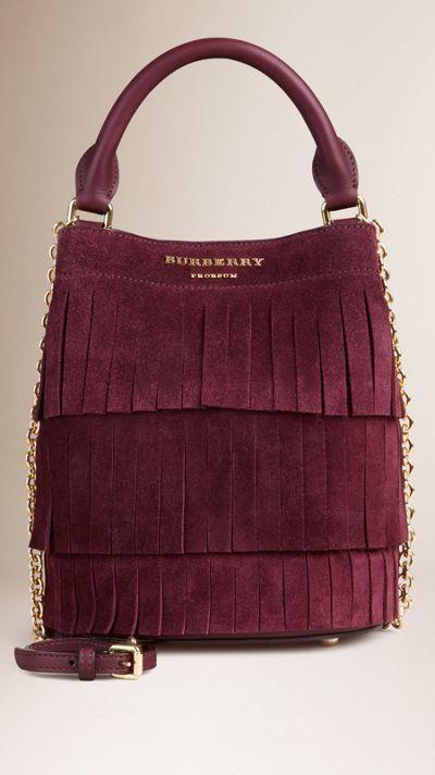 Die Tasche Small Burberry Bucket aus Veloursleder mit Fransen