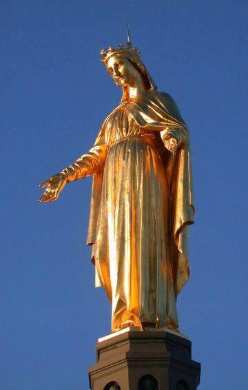 Fourvière.statue de Marie