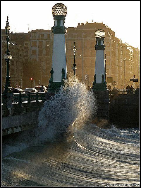 Puente sobre aguas turbulentas (3) Jose Juan Gurrutxaga