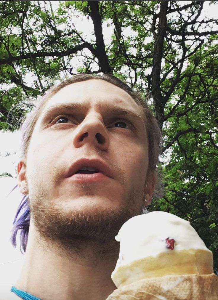 NEW | Evan Peters. Candid Selfie eating Ice Cream! Follow rickysturn/evan-peters