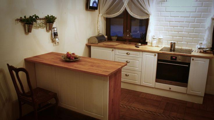 Ładna, pasująca do reszty kuchni wyspa kuchenna w zaledwie pół dnia - DI...