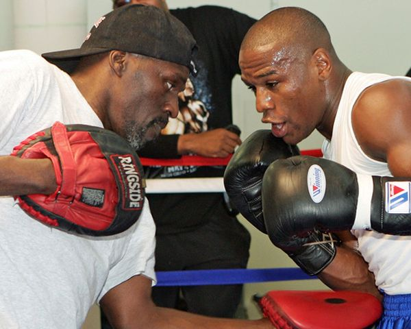 Roger Mayweather Found: 5 Facts About Floyd Mayweather Jr.'s Uncle - http://www.morningledger.com/roger-mayweather-found-5-facts-about-floyd-mayweather-jr-s-uncle/1388729/
