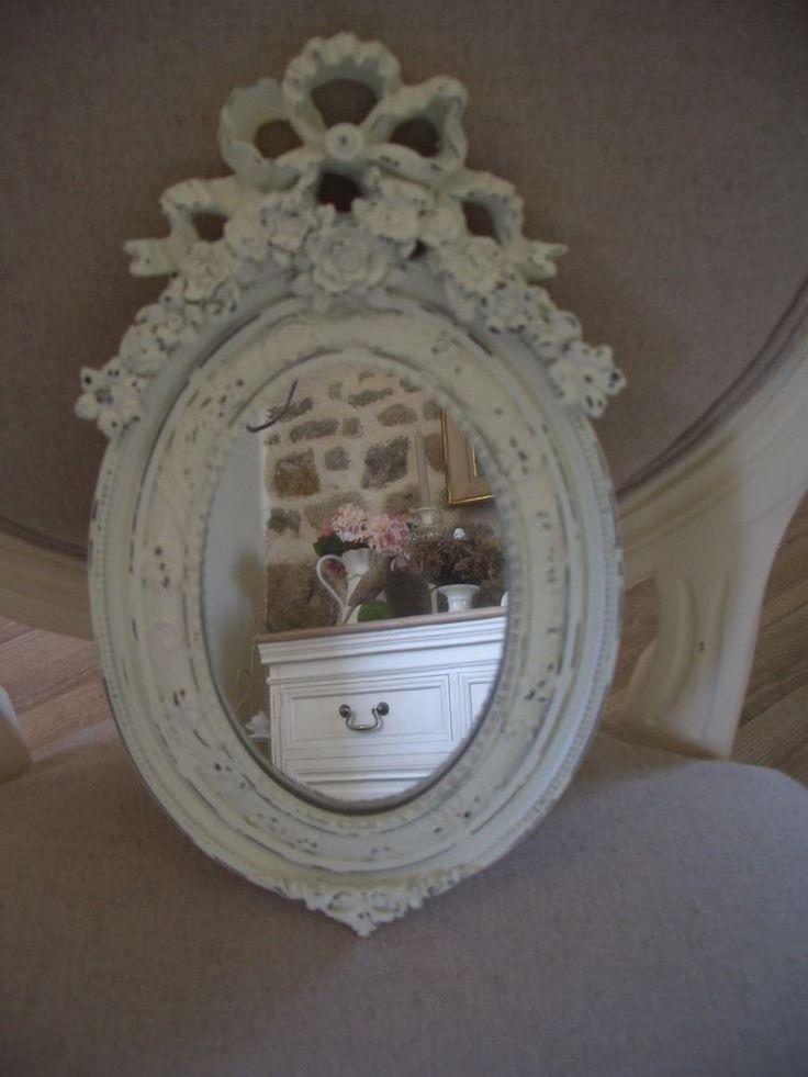 miroir ovale médaillon fleurs & noeud 15x26cm résine écrue / blanc cassé NEUF
