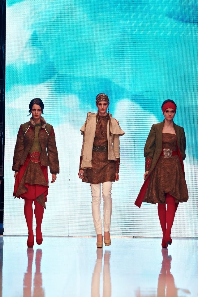 Gombold újra... 2012 ... Fashion Show and contest