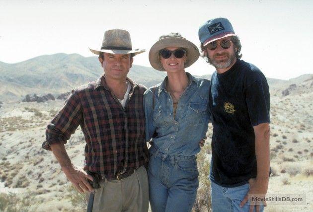 Jurassic Park (1993). Sam Neill, Laura Dern and Stephen Spielberg