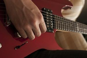 Best online guitar lessons for beginners. You can find literally100's of free beginner guitar lesson tutorials at http://www.bestbeginnerguitarlessons.com