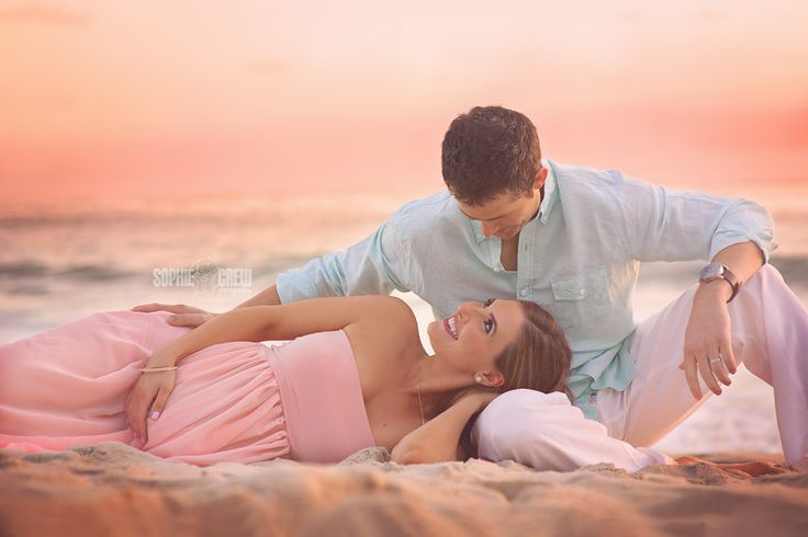 La Jolla Maternity Beach Session at Windansea