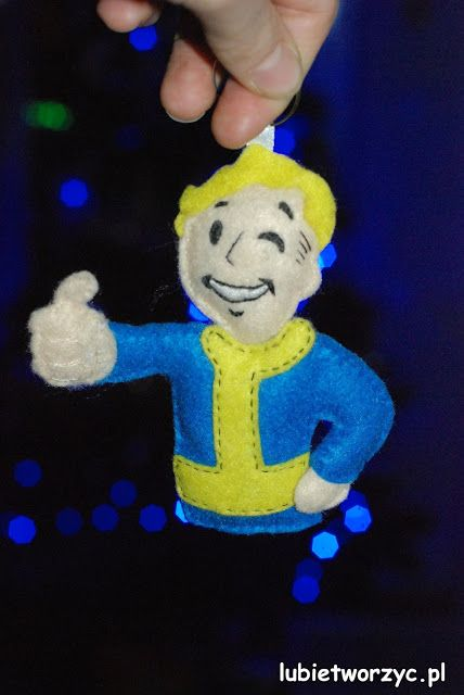 A Felt Vault Boy ;)  Crafting, crafting never changes! ;)  #instrukcja #instruction #instructions #handmade #rekodzielo #DIY #DoItYourself #handcraft #craft #lubietworzyc #howto #jakzrobic #instrucción #artesania #声明 #filc #felt #fieltro #毛氈 #Fallout #VaultBoy