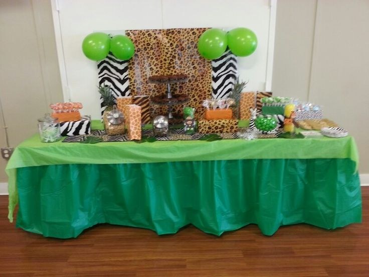 Jungle baby shower dessert table for more safari baby for Baby shower safari decoration