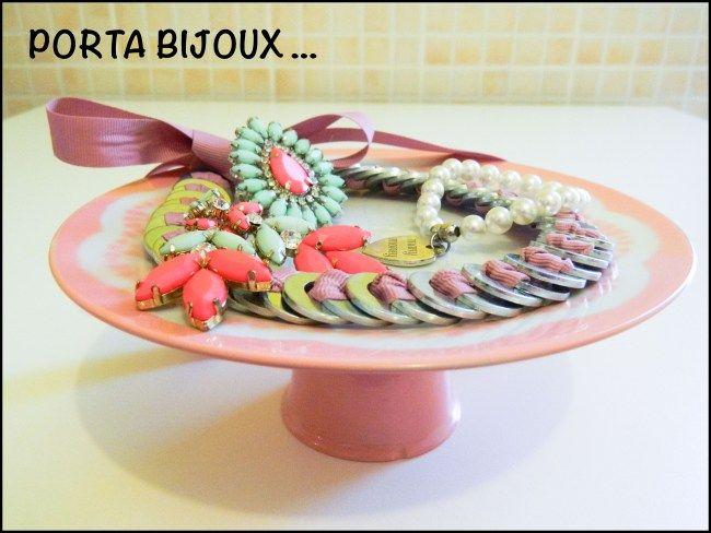 Immagine,  diy, progetto diy, progetto faidate, faidate, alzatina per biscotti, portabijoux, bijoux, gioielli, espositore, crafty creations,...