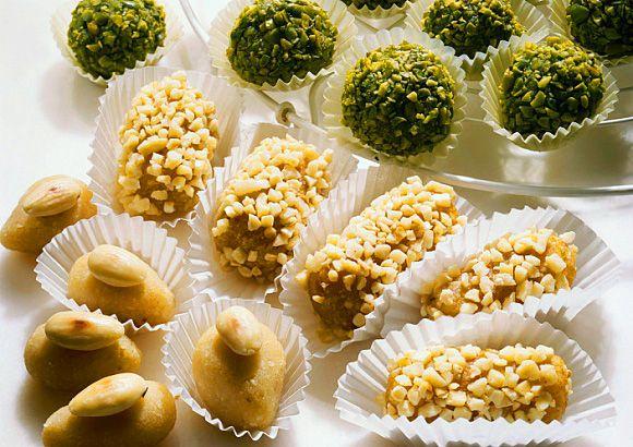 МАРЦИПАН. Как приготовить марципан. Рецепт марципана. История марципана. Фигурки из марципана фото