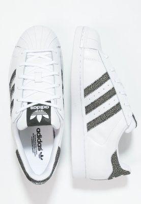 chaussure adidas basse superstar lyrics taylor