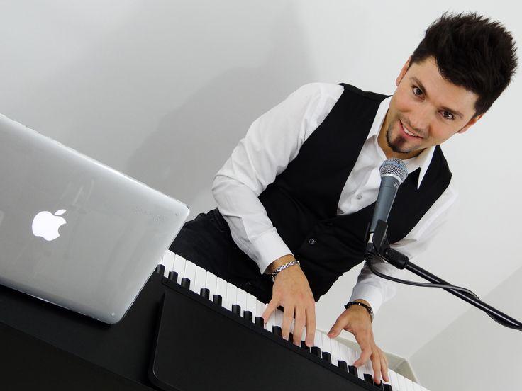 #iloveapple #livemusic #pianoandvoice #musicforwedding